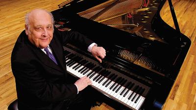 Joseph Banowetz at the Piano