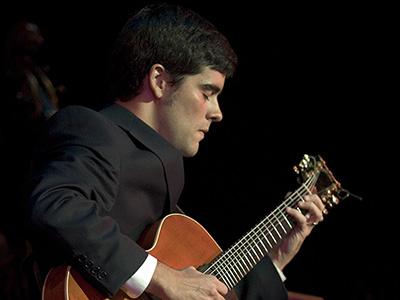 Davy Mooney on guitar